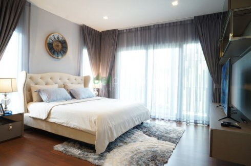 House with bedroom furniture